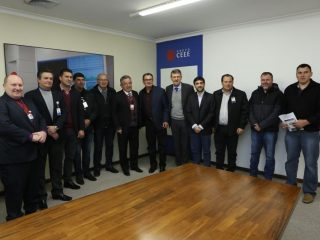 Prefeito Odir e prefeitos da região em reunião com o Presidente da CEEE
