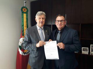 Prefeito Odir visita Senador Luis Carlos Heinze