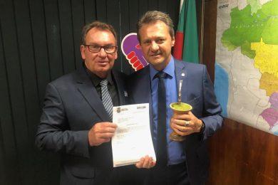 Prefeito Odir é recebido pele Deputado Federal Cherini