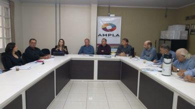 Prefeito Odir participa de reunião na AMPLA