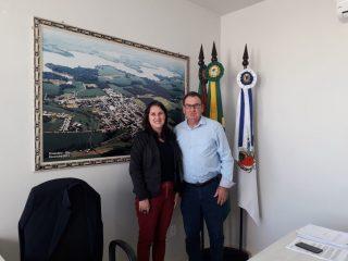 Prefeito Odir recebe visita da consultora de Negócios Eliana Bortolon