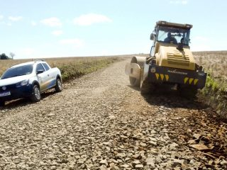 Estrada do Capão do Valo segue recebendo melhorias