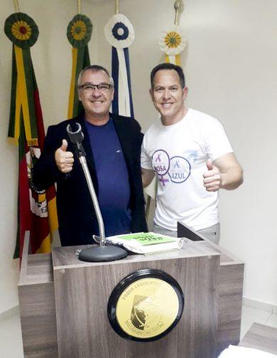 Vereador Leonir Vargas e o secretário Leonel Borba