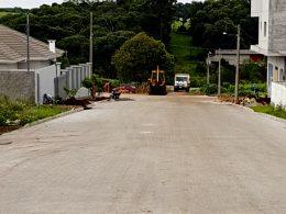 Administração Municipal conclui obra de pavimentação na Rua Alfredo Lutz