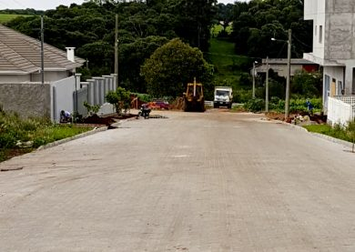 Trecho da Rua Alfredo Lutz recebeu pavimentação com blocos de concreto