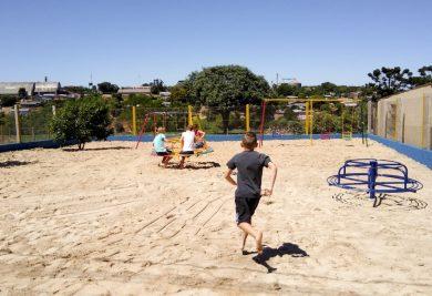 Crianças já inauguraram e aprovaram o novo parque infantil