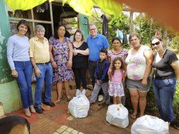 Atletas se reúnem e convertem cartões no Futsal em alimentos para doação