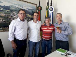 Prefeito e vice recebem deputado estadual Paparico Bacchi
