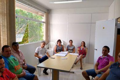 Garantia da qualidade do transporte escolar pauta reunião