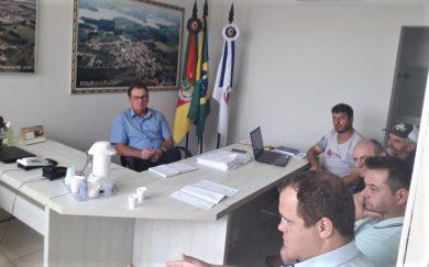 Prefeito Boehm recebeu moradores da Orla da Barragem