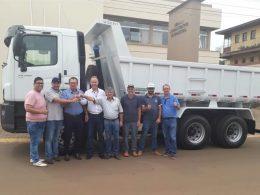 Prefeitura compra novo caminhão caçamba