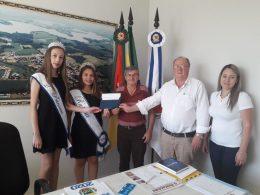 Ernestina recebe convite para o 21º Jantar do Peixe, em Pontão