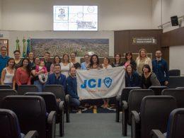 Estudantes da Sachser participam de Projeto Oratória nas Escolas, da JCI