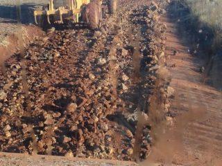 Secretaria de Obras e Viação recupera trechos críticos na Coxilha Seca