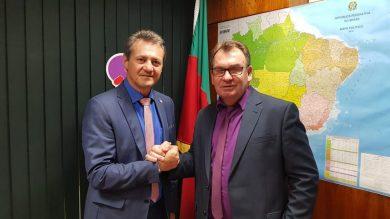 Deputado Cherini e prefeito Nico celebram novos recursos para Ernestina