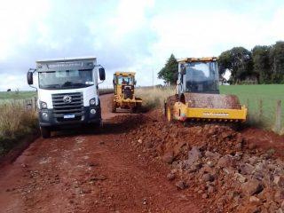 Estrada do Capão do Valo recebe trabalhos da Secretaria de Obras e Viação