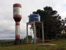 Nova caixa d'água melhora fornecimento a 30 famílias do interior