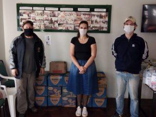 Banda Diletantes doa 395 litros de leite ao Cras