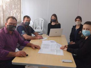 Empresários ernestinenses trabalham na construção de centro de eventos em Ernestina
