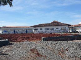 Obra da quadra poliesportiva da Escola Educarte segue em andamento