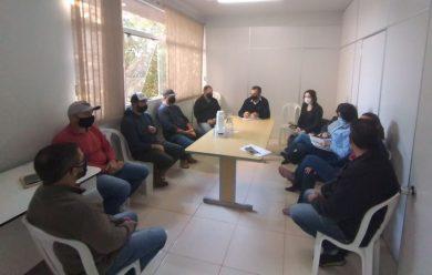 Reunião teve a presença do secretariado municipal e equipes contábil e jurídica