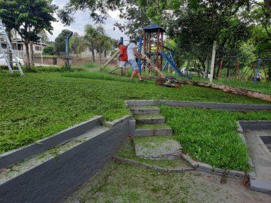 Secretaria de Serviços Urbanos faz limpeza nas Escolas e troca lâmpadas na iluminação pública