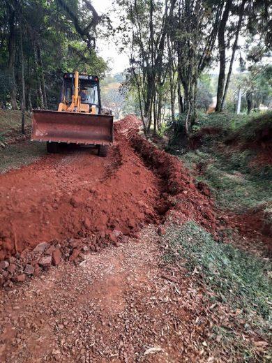 Secretaria de Serviços Urbanos realiza serviços de melhoramento e extensão de novas redes de abastecimento de água na área rural