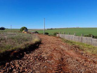 Secretaria Municipal de Obras recupera estradas do interior